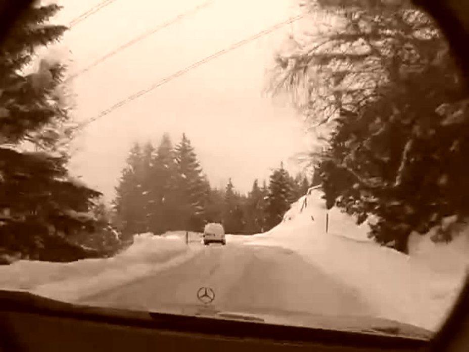 Trailer Snowkajak in den Alpen