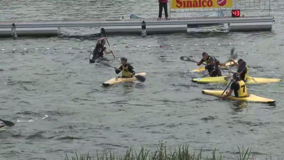 Spiel 16: MOSW Choszczno gegen Göttinger PC bei der European Club Championships Canoepolo 2012