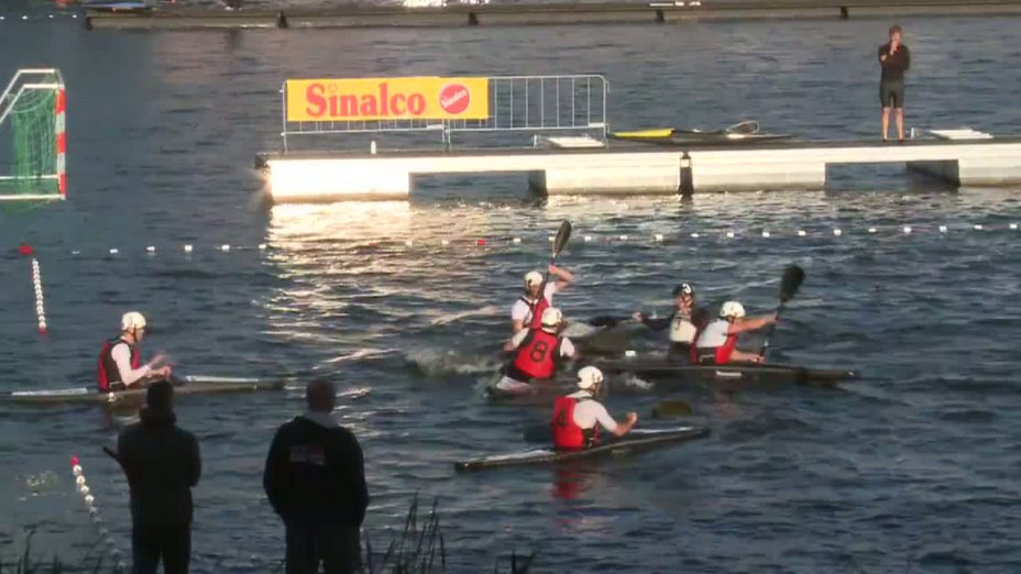 Spiel 64: IRWV Ieper gegen Michiel de Ruyter bei der European Club Championships Canoepolo 2012